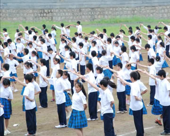 高中学生团体操表演